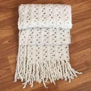 Steve Madden 100% acrylic scarf/wrap